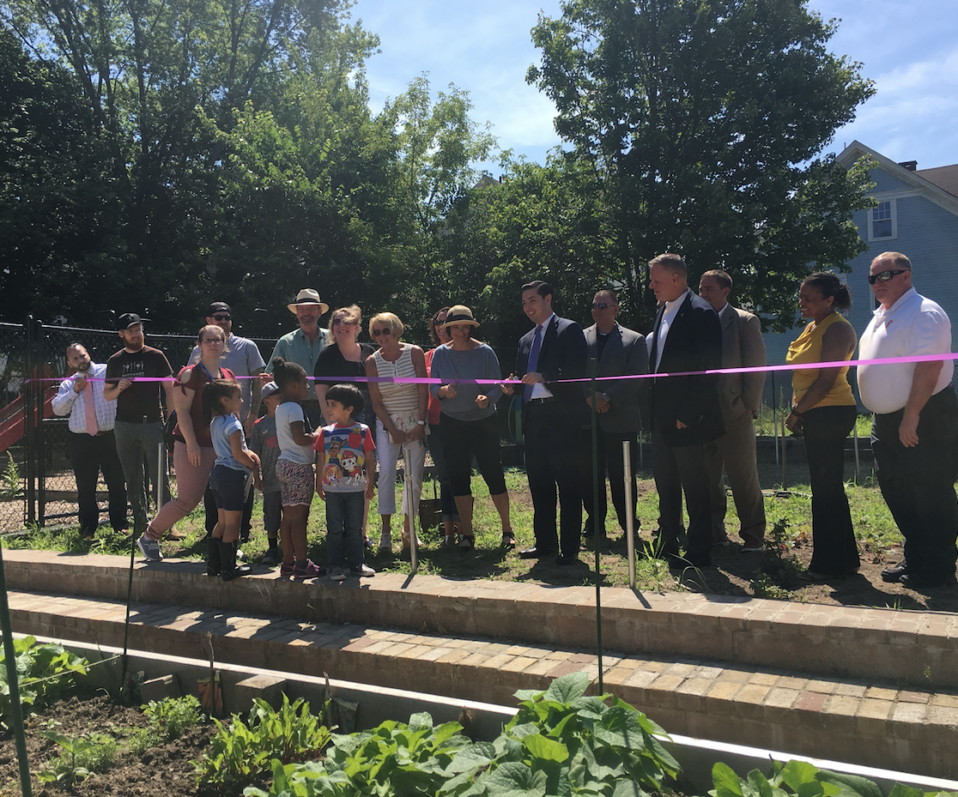 Garfield Park Community Garden, Mayor Diossa, SCLT, ribbon cutting